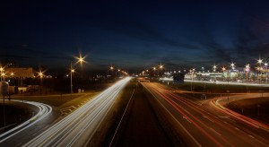 Picture of the highway by night